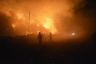 Incendiul de la groapa de gunoi a Clujului a fost stins dupa aproape 24 de ore