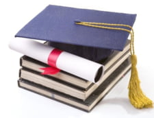 Incepe noul an universitar - locuri mai putine, taxe mai mari, examene mai exigente