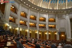 Incepe sesiunea de toamna a Parlamentului. Tariceanu a anuntat ca va demisiona de la sefia Senatului