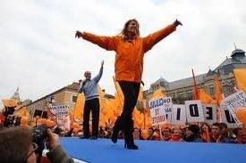 Inceput de Basescu, terminat de Udrea (Opinii)