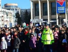 Incident la Bacau de 1 decembrie: tineri dusi la sectie, din cauza unui banner (Video)