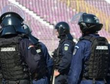 Incident socant inaintea meciului Poli - Steaua: Fotbalist trantit si imobilizat la stadion