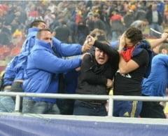 Incidente grave la Romania - Ungaria: batrani si copii, snopiti in bataie de fortele de ordine (Foto)