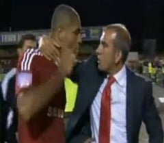 Incredibil! Italianul Di Canio si-a batut un jucator la vestiare (Video)