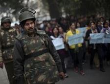 India: Studenta violata in grup in autobuz a vorbit cu anchetatorii