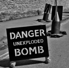 Indiferent ce-ar semana, un taran din Galati culege periodic... bombe de aviatie!