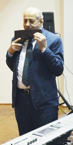 Inegalabilul Gheorghe Zamfir, in Banat: acasa la Efta Botoca - Jebel; in orasul lui Cebzan - Ciacova