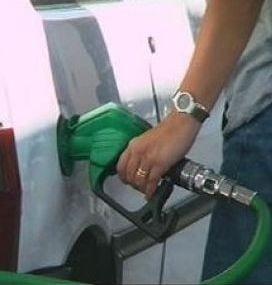 Inevitabil: 5 lei, pretul benzinei in iunie
