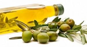 InfoCons: Doua marci de ulei de masline comercializate pe piata din Romania depasesc parametri admisi de legislatia UE