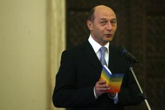 Ingredientele haosului neconstitutional - Constitutia, CCR, Basescu si Ponta (Opinii)