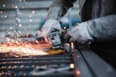 """Institutul National de Statistica: """"Productia industriala a scazut cu 11% in primele zece luni, fata de aceeasi perioada a anului trecut"""""""