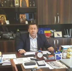 Institutul de Investigare a Crimelor Comunismului ii cere lui Ciolacu sa-l sanctioneze pe primarul PSD care l-a elogiat pe Ceausescu