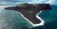 Insula formata in anii '60 unde accesul e interzis. Are loc un experiment inedit