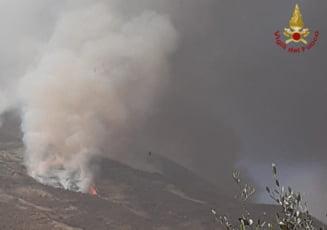 Insula italiana Stromboli, zguduita de o eruptie vulcanica puternica (Video)