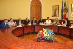 Intalnire oficiala intre delegatia CJ condusa de Alexandru Pugna si primarul Chisinaului Dorin Chirtoaca