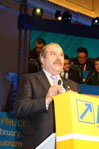 Intepaturile PNL-PSD continua: Un liberal ii cere lui Sova sa explice din ce bani face autostrada