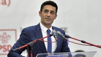 "Interceptari din dosarul in care a fost trimis in judecata europarlamentarul PSD Claudiu Manda: ""Aici, langa mine, este domnul primar. Cand il primesti si pe el in audienta?"""