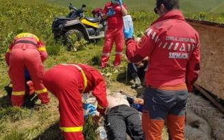 Interventie de urgenta a elicopterului SMURD in muntii Baiului pentru salvarea unui tanar