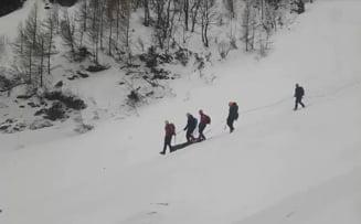 Interventie dificila a Salvamont in Bucegi, unde a fost descoperit un cadavru: UPDATE Este vorba despre un barbat de 35 de ani din Giurgiu