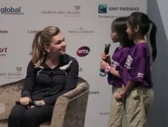 Interviu emotionant pentru Simona Halep in Singapore: Ce au intrebat-o doua fetite (Video)