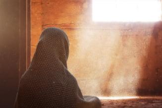 Interzicerea valului islamic in scolile primare din Austria, declarata neconstitutionala