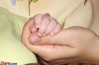Intra in vigoare noua lege privind indemnizatia de crestere a copilului: Mamele vor primi mai multi bani si pot depune actele online