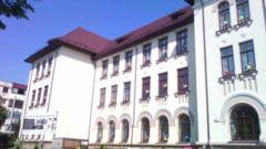 Intrare libera la Muzeul Judetean si baloane tricolore pentru soferi, de Ziua Drapelului National