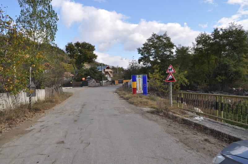 Intrarea in comuna Bozioru dinspre Balanesti