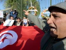 Intre jihadisti si democratie: Atacul sangeros din Tunisia