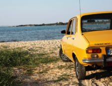 "Intrebarea adresata unui roman care si-a pozat Dacia 1300 pe o plaja din Grecia. ""E parcarea pana acolo sau nu au tinut franele?"""