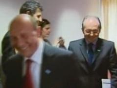 Intrebati de Ridzi, Basescu si Boc au bufnit in ras