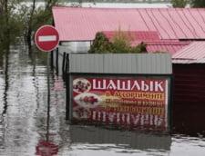 Inundatii catastrofale in Rusia: Zeci de mii de oameni evacuati