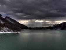 Inundatii de Paste: Barajul Paltinu va fi evacuat partial