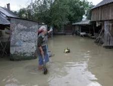 Inundatii de Paste: Cod rosu pentru rauri din patru judete (Video)