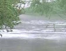 Inundatii de Paste: Judetele Arges si Teleorman, cele mai afectate