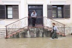 Inundatii devastatoare in doua tari europene: Ploile se muta in Romania