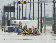 Inundatii dezastroase in Japonia: Zeci de mii de oameni izolati sau ramasi pe drumuri (Video)