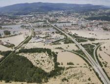 Inundatii in Europa: Porsche a oprit productia Cayenne