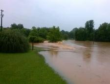 Inundatii in SUA: Stare de urgenta in est