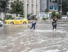 Inundatii puternice la Istanbul. Traficul in oras a fost paralizat