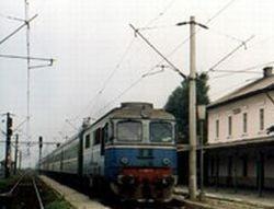 Inundatiile din Suceava au dus la anularea a peste 20 de trenuri