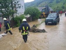 Inundatiile fac prapad in mai multe judete din tara (Foto & Video)