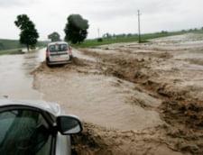 Inundatiile nu se mai opresc: Coduri rosu, portocaliu si galben in mai multe judete