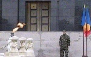 Invazie de politicieni la Mormantul Soldatului Necunoscut
