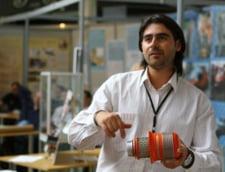 Inventator roman, premiat in Bruxelles pentru un filtru de aer ce reduce consumul de carburant