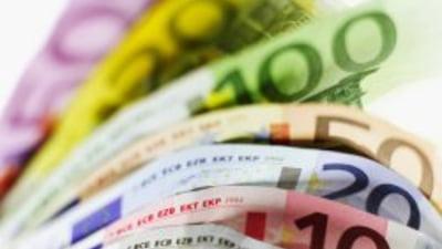 Investitori cu milioane de euro pandesc prabusirea preturilor imobiliarelor