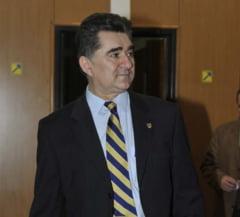 Ioan Ghise: Premierul trebuie sa isi dea demisia. Coabiteaza reprezentantii serviciilor secrete Interviu