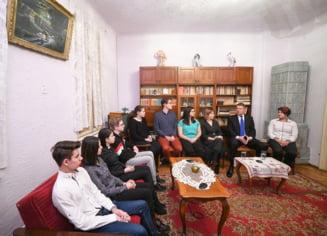 Iohannis: Ca si in comunism, unii politicieni isi folosesc pozitia pentru inavutire personala. I-am urat (Video)