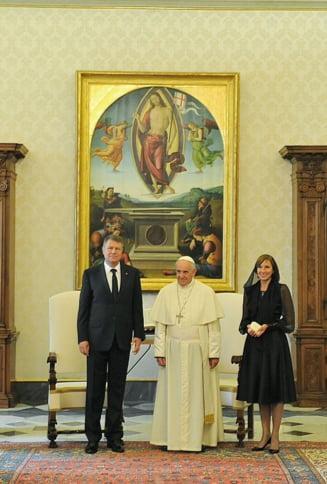 Iohannis: L-am asigurat pe papa Francisc de respectul si admiratia romanilor pentru generozitatea sa