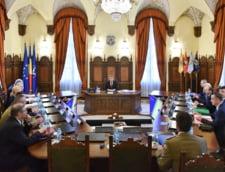Iohannis: Planul pentru dotarea Armatei, retras din CSAT. Nu respecta alocarea a 2% din PIB
